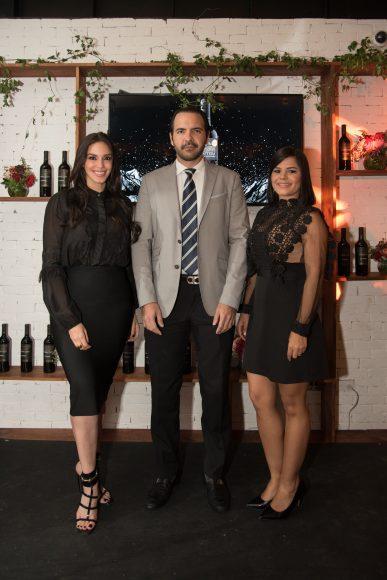 3 Hony Estrella, Miguel Toiraz y María Eugenia Hernández