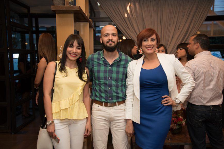 8 Elybel Pimentel, Eduardo Carrasco y Magelline Reyes