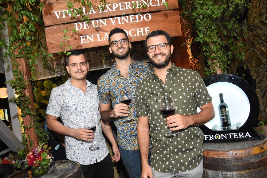 9 Fernando Santos, Juan Medina y Victor Nicolás