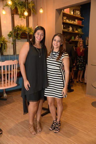 9 Lorena Zimmerman y Mary Sánchez