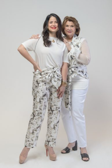 Ana María Guzmán y Mary de Guzmán_1