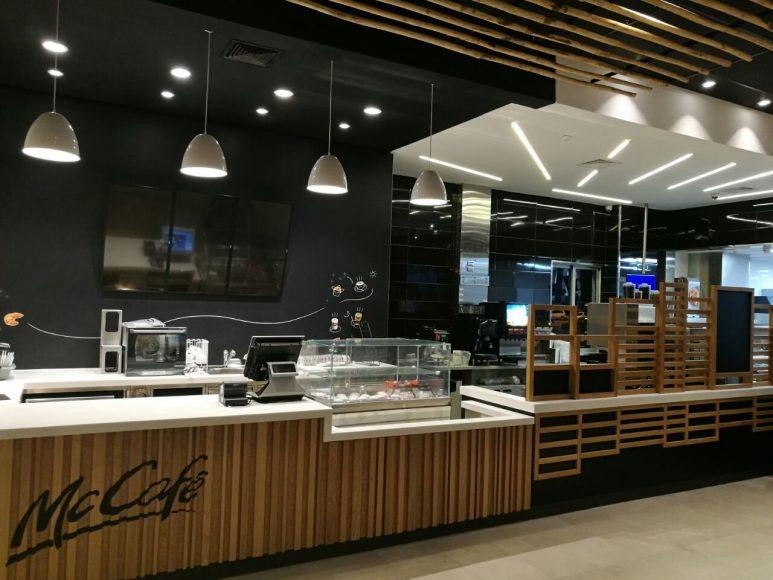 Interior McDonalds Lincoln (3)