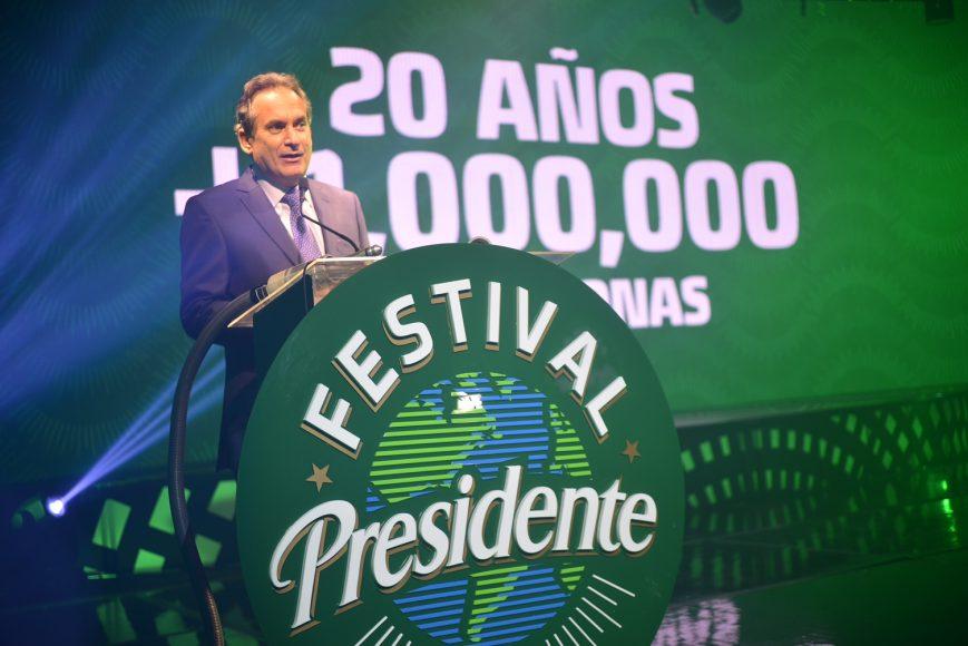 1 PRINCIPAL Franklin León, mientras se dirigía al público
