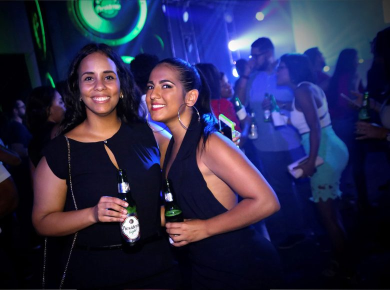 20 Jennifer Muñoz y Paloma De la Cruz