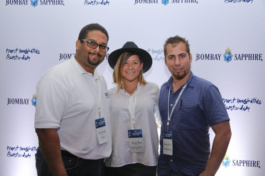 3. Jomy González, Daniela Gómez y Alexander Oria