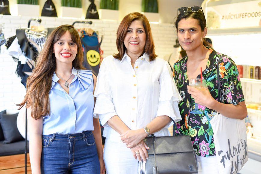 3. Paola Santana, Satira Aquino de Zapata y Moises Álvarez