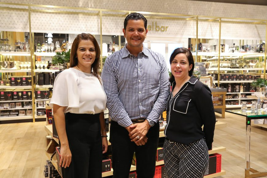 4. Rita Taveras, Joel Peña y Katherinne Asencio