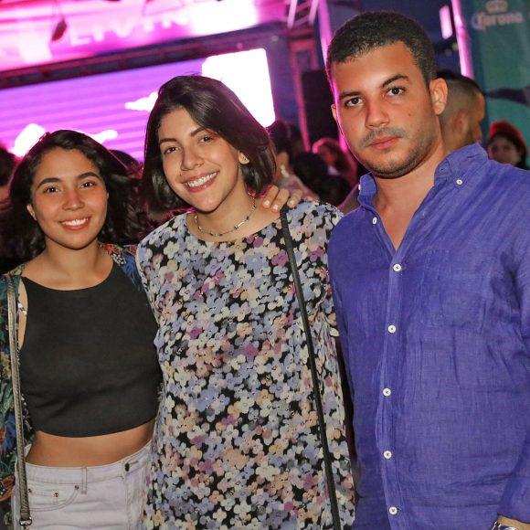 4. Violeta Cerda, Leslie Soto y Emmanuell Núñez