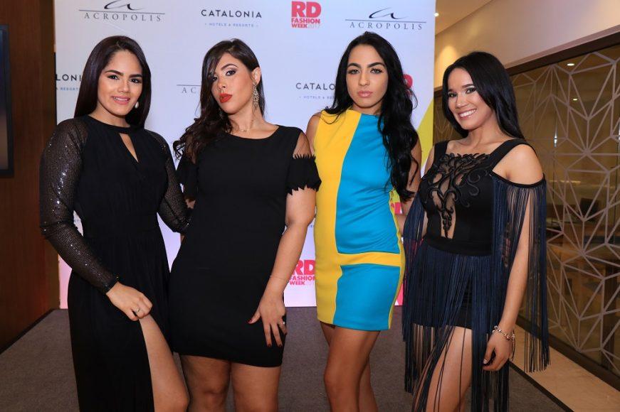 Dannelys Rivera, Karla Hernandez, Daryanna Campusano y Carolina Vidal