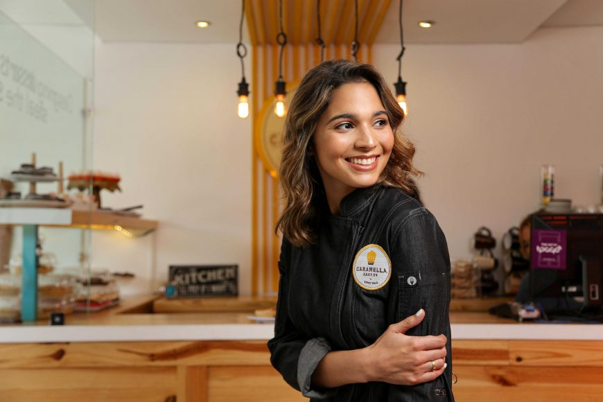 Laura Amelia Fernández, pastelera y propietaria de Caramella Bakery