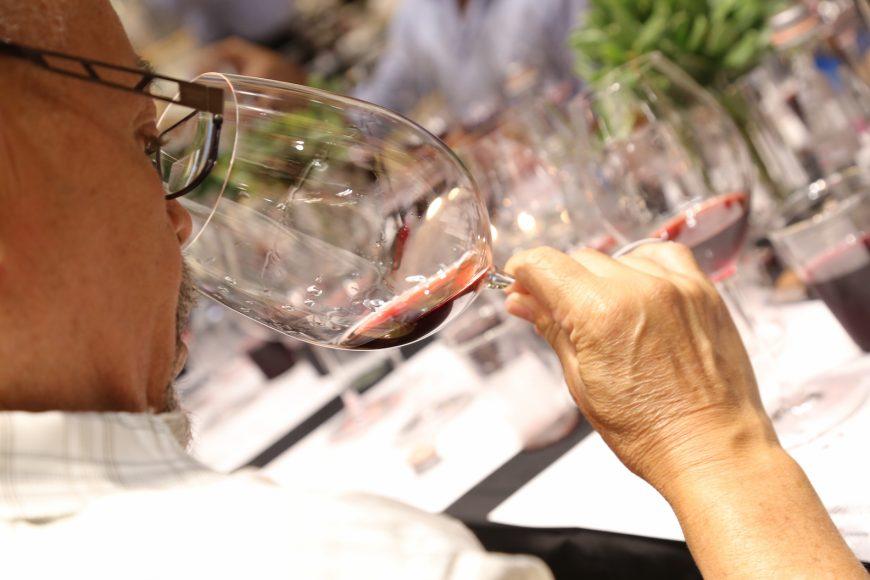Notas de vino en copas Riedel Glass