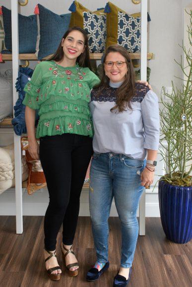 18 Miriam Michelen y Marie Grey Chávez