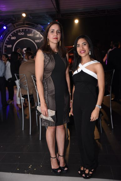 Claudine Rodríguez y Eva Mena.