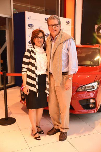 Cristina de Barrera y Carlos Barrera.