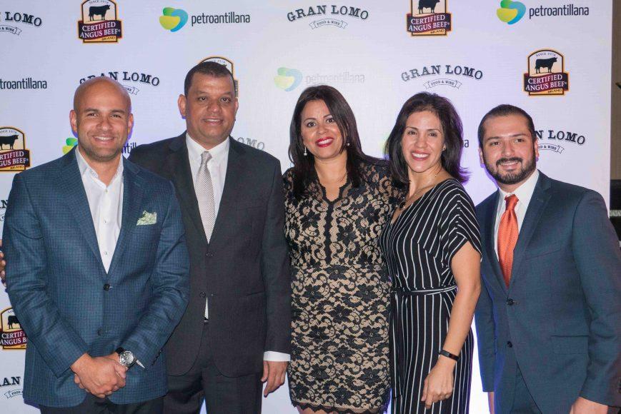 1. Federico Feliz, Pedro Báez, Isis Báez, Ivette Cortés, Gustavo Paguaga