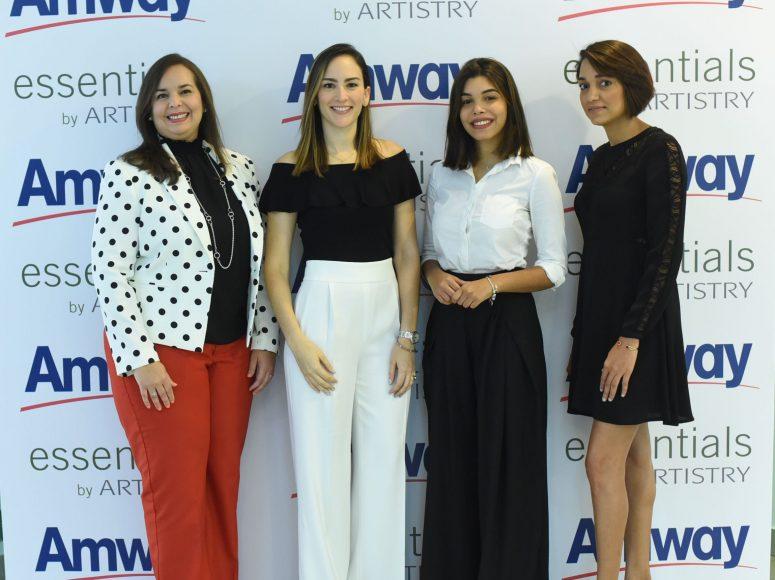 1. Principal. Sarah Argomaniz, Yolanda Linarez, Sarah Méndez y Lorendy Báez.