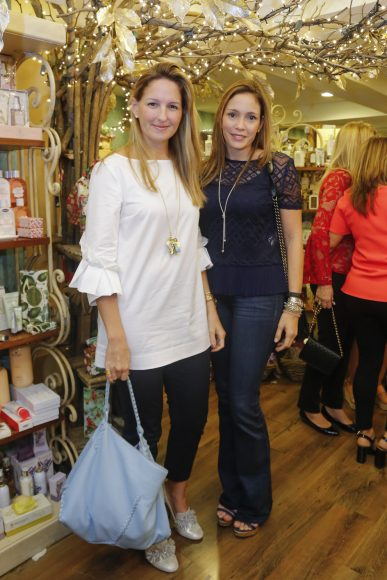 2. Laura Mayol y Johanna Grullón