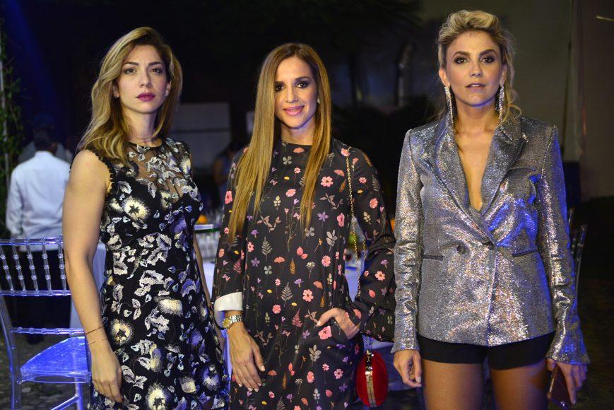 2. Leonor García, Karla Rosales y Deborah Karter