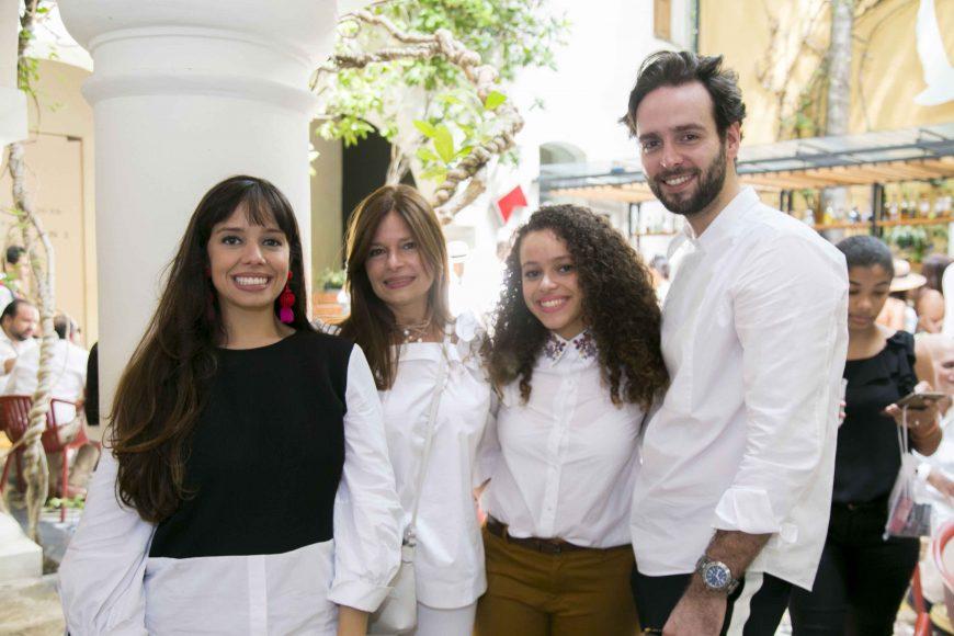 2. Paola Santana, Carol Baez, Daniela Santana, Stefano Cavoli