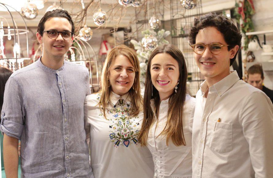 3. Sebastián Prieto, Ana M. Ravelo, Ana Hernández Ravelo y Víctor Stonem