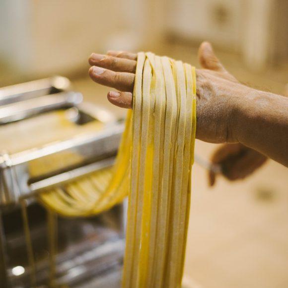 Pasta fresca hecha en Cappuccino (1)