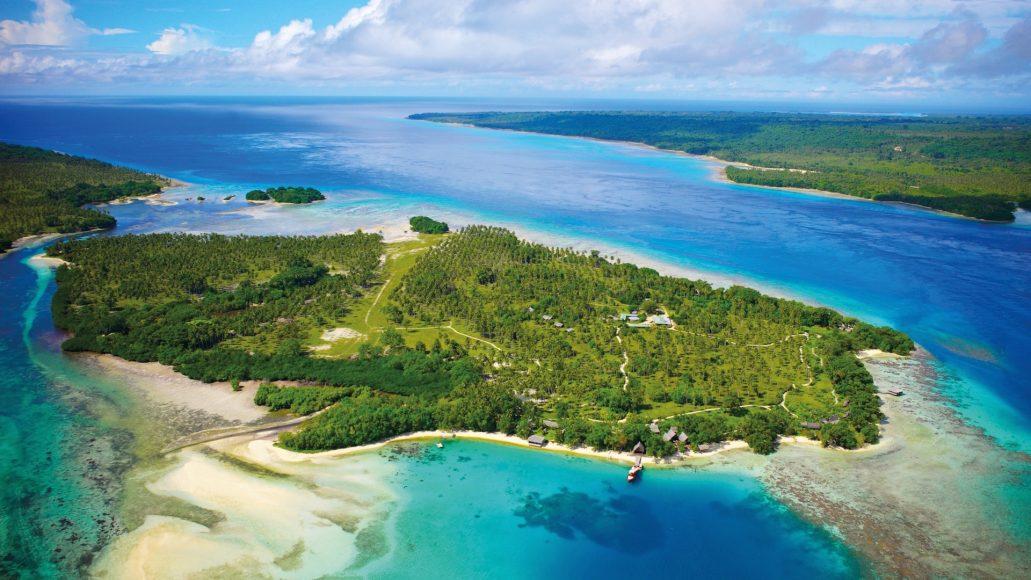Ratua-Island-Aerial-View-