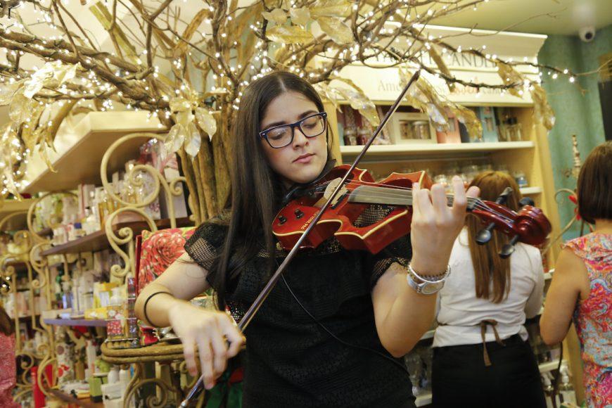 Violinista durante la actividad