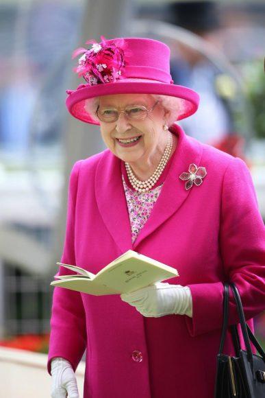 la-reina-elizabeth-ii-se-acerca-a-sus-90-anos8