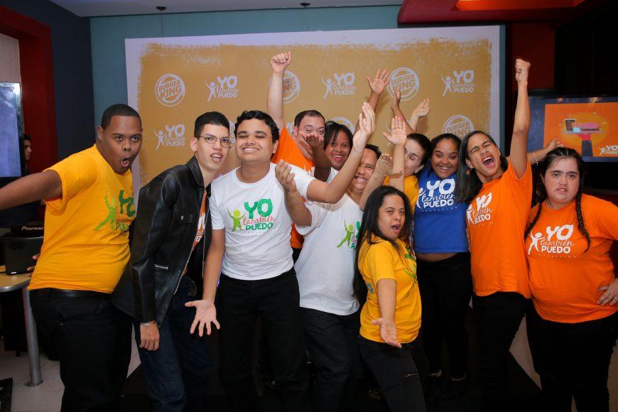 Grupo de niños y jóvenes de la Fundación Yo También Puedo