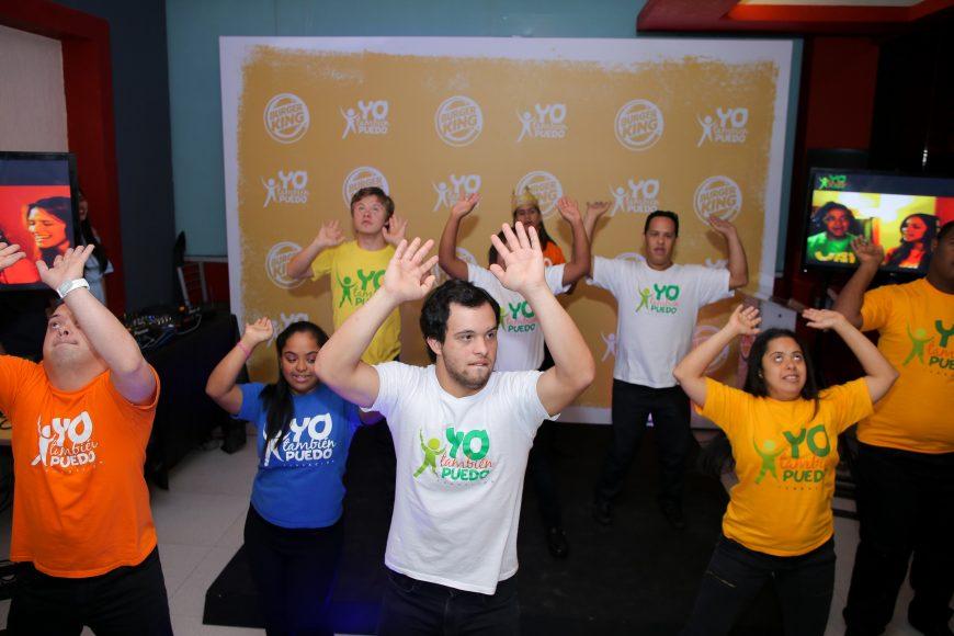 Niños y jóvenes de la Fundación Yo También Puedo realizan baile