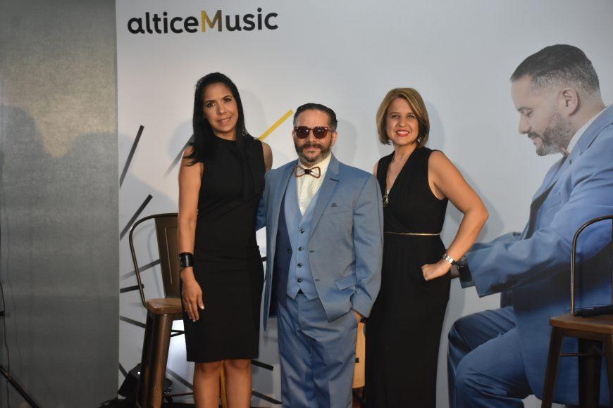 1. Principal Johanna Santana, Pavel Núñez y Giselle Caputo