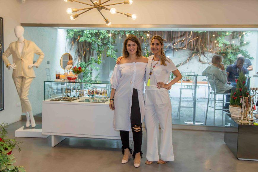3. María Conchita Árcala y Lia Castillo