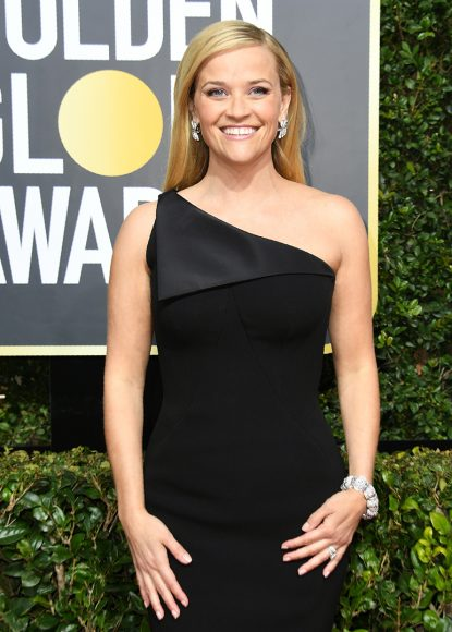 Reese Witherspoon arrives for the 75th Golden Globe Awards on January 7, 2018, in Beverly Hills, California. / AFP PHOTO / VALERIE MACON        (Photo credit should read VALERIE MACON/AFP/Getty Images)