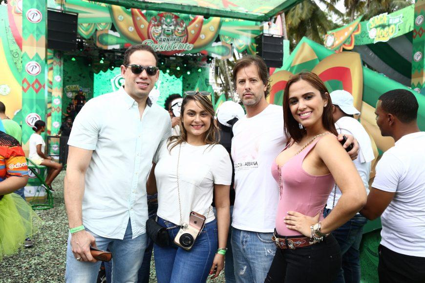 3. Amaury Nova, Ambar de Nova, Bruni Cid y Nayelin Aquino