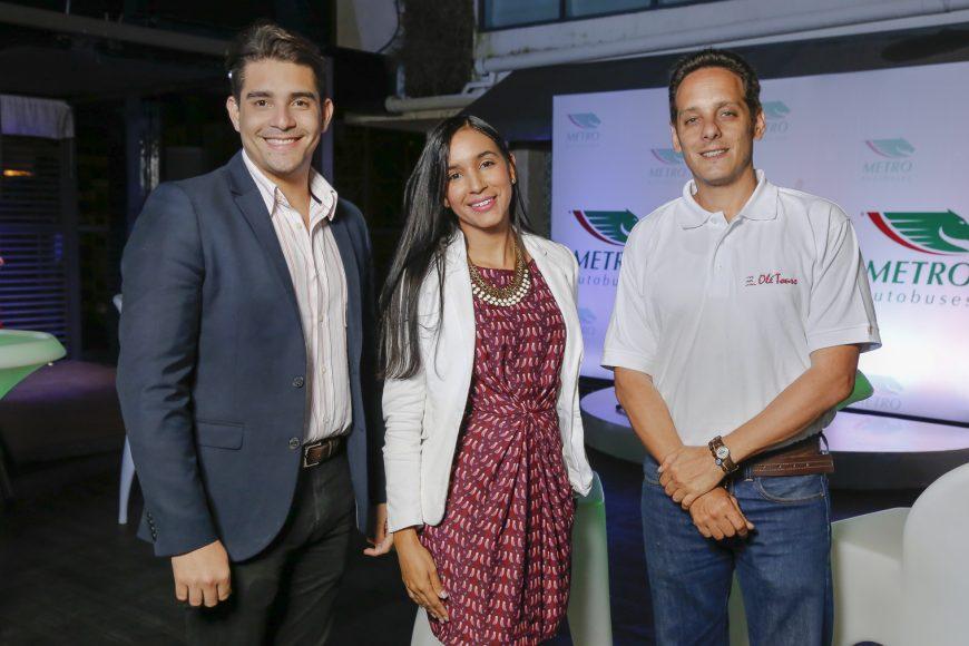 6. Víctor Hernández , Pamela Pujols y Juan Carlos Cabrera