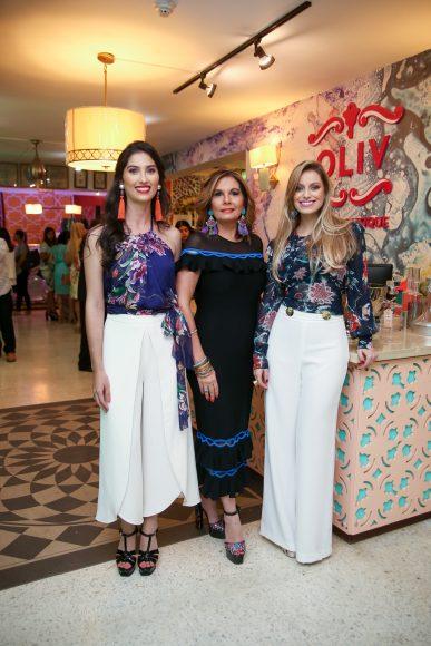 1.2 Rachel Villanueva, Marina Román y Andreina Arroyo