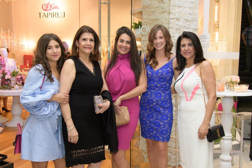 10. Priscilla Jorge, Raysa Jorge, Sarah Lopez Jorge, Idana Barlett y Sarah Jorge