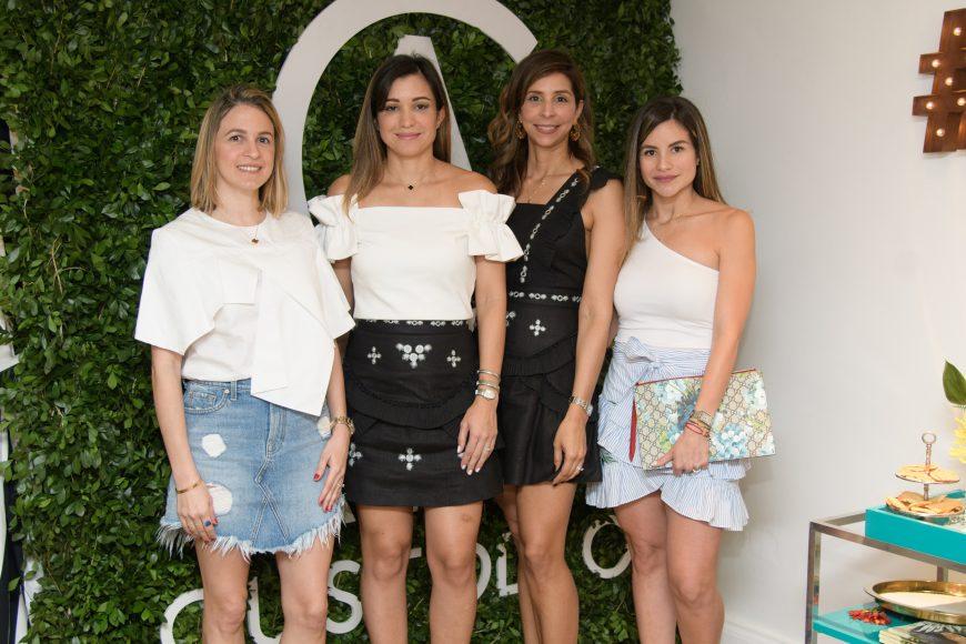 2. Kathy Rood, Olga Ortiz de Morales, Ginna Pannocchia y Chassel Vargal