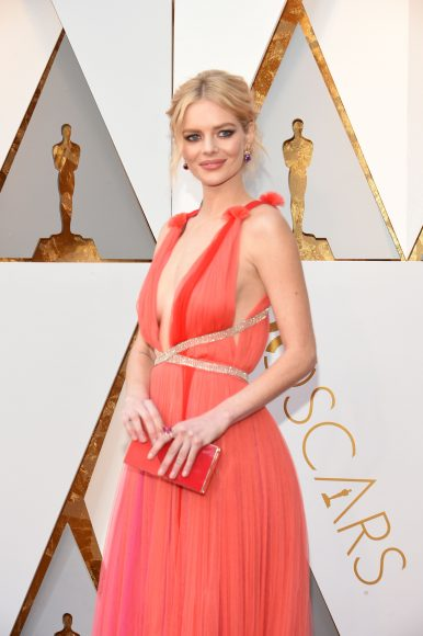 Samara Weaving arrives for the 90th Annual Academy Awards on March 4, 2018, in Hollywood, California.  / AFP PHOTO / VALERIE MACON        (Photo credit should read VALERIE MACON/AFP/Getty Images)