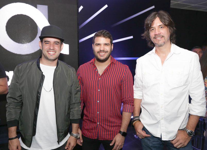 3 Manny Cruz , Pamel y Miguel Mora