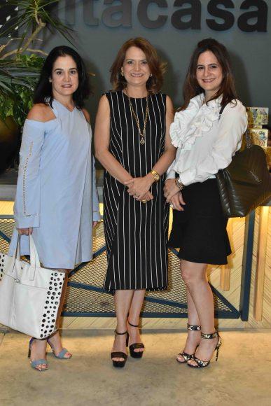 4. Teresa Montes, Iranna Canaan y Bethania Guerrero