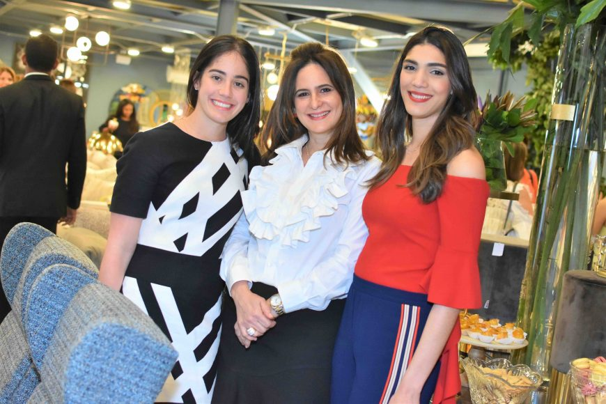 7. Anna Harper, Bethania Guerrero y Daniela Cruz