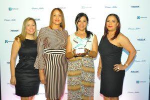 """AMResorts recibe reconocimiento como """"Cadena Hotelera del año"""""""