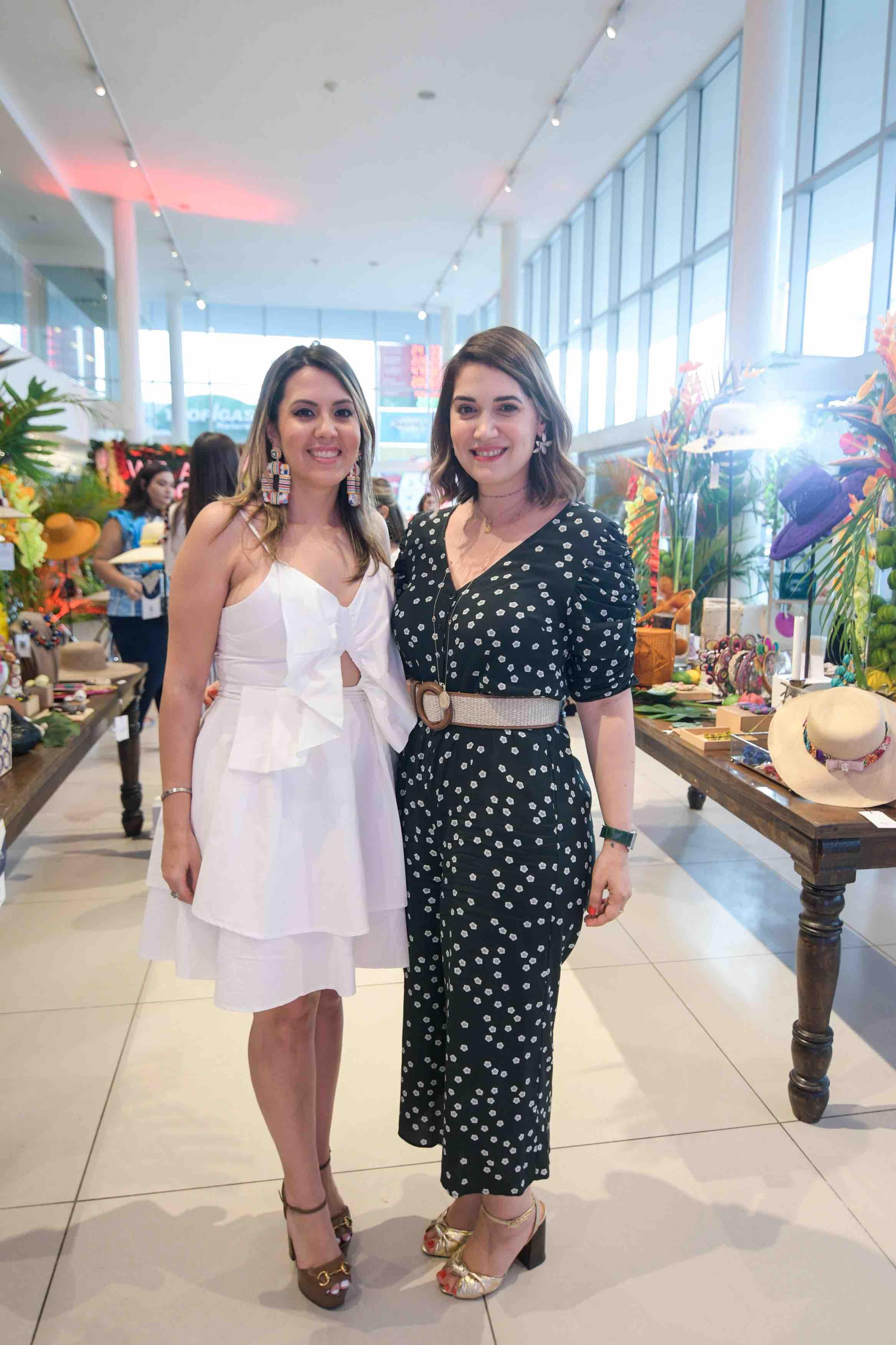 2. Paola Santana y María Conchita Arcalá