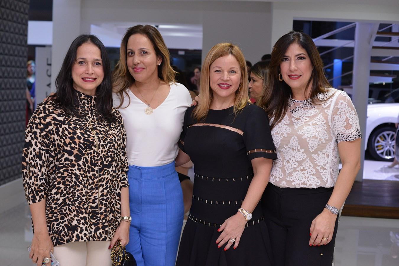 Anna karina Cuello de Moya,Maria Turull de Bisono,Monserrat Puig,Patricia Garcia
