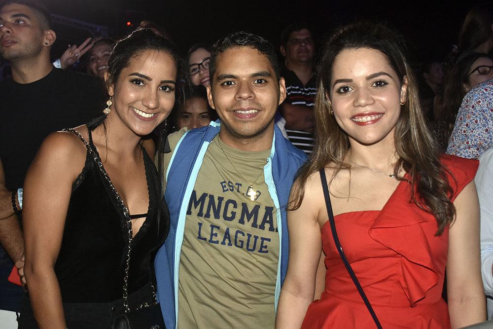 11. Melanie Planchart, Leondy Perez y Damaris Tanaka