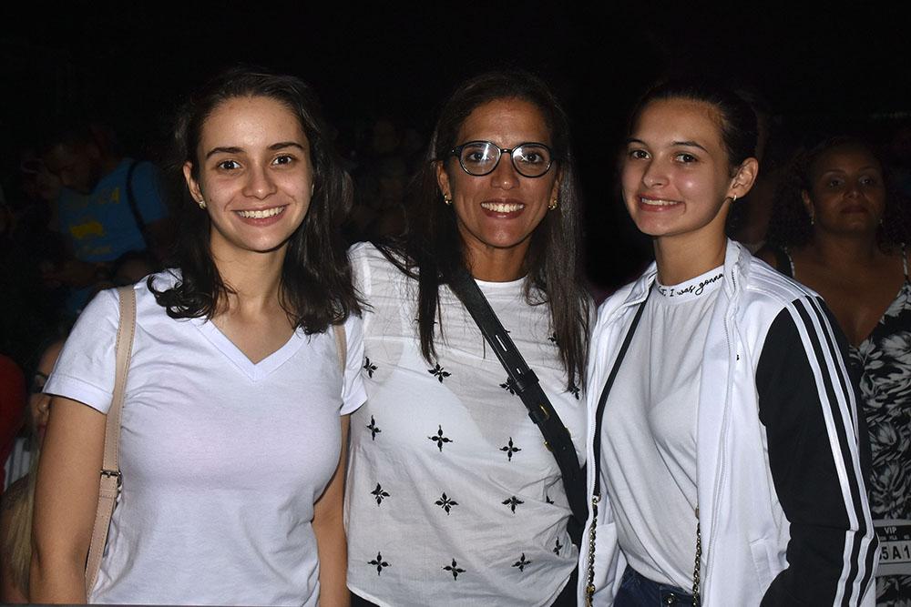 13. Leticia Espinal, Wendy Jacobo y Laura Butler