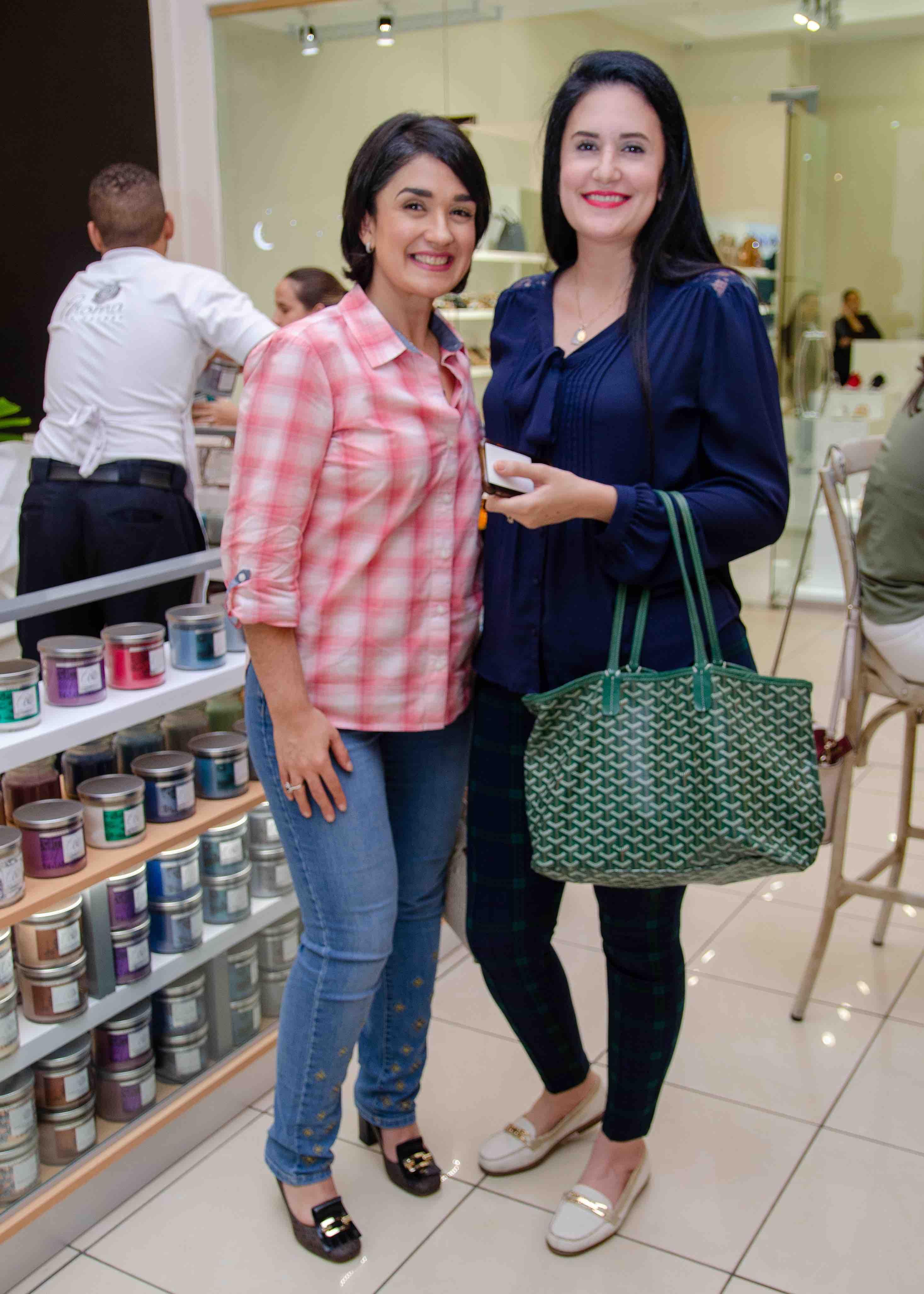 13.Benjina Uribe & Paola Uribe