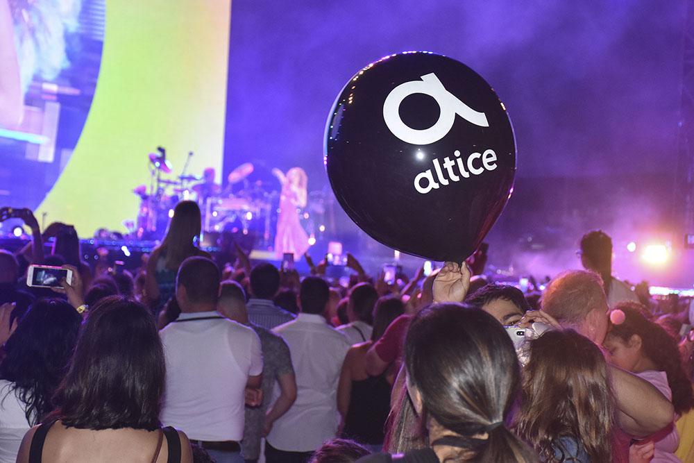 15. Globos Altice durante el concierto