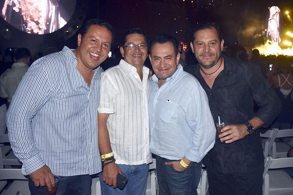 8. David Jaspel, Omar Jaspel, Juan Jaspel y Hector Jaspel